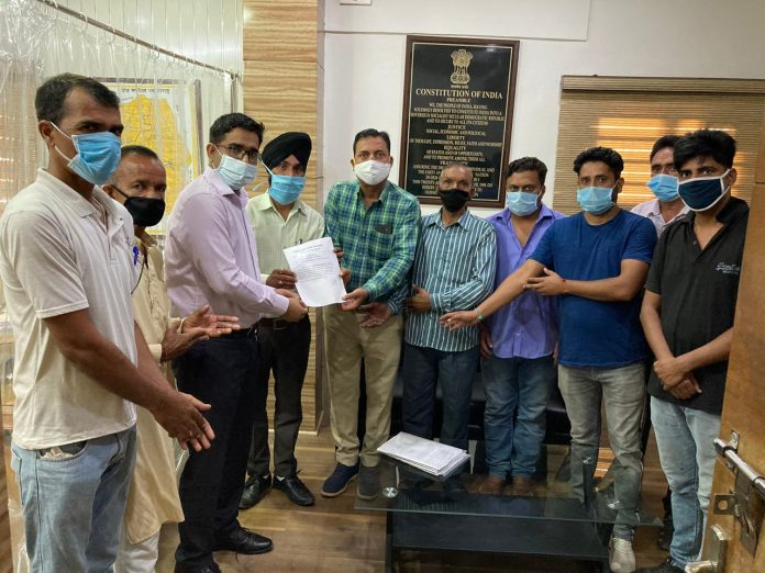 जुग्गी स्टार्टअप इंडिया फयूलैंट्स का जमीन लीज पर लेने का पंचायत वासियों ने किया विरोध