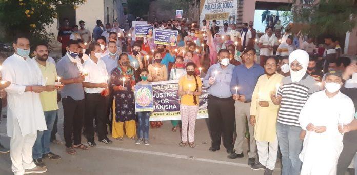 हाथरस घटना को लेकर इन्दौरा में आम जनता ने निकाली रोष रैली