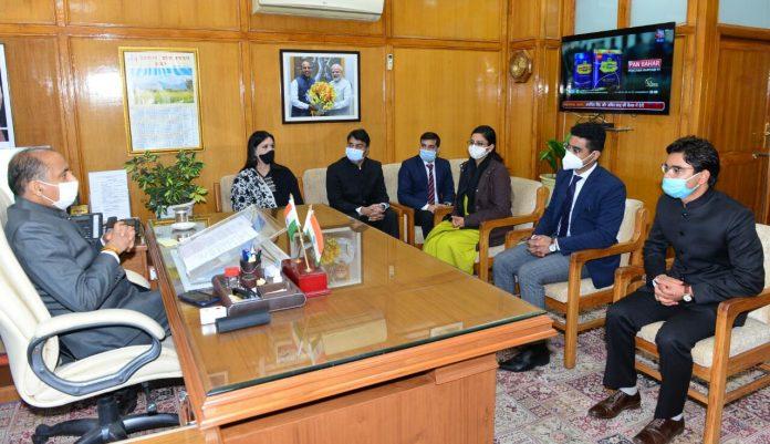 भारतीय प्रशासनिक सेवा के प्रशिक्षु अधिकारियों ने मुख्यमंत्री से भेंट की