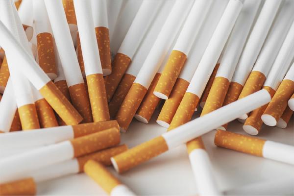 धूम्रपान के लिए कानूनी उम्र 21 साल रहेगी, कानून का मसौदा तैयार