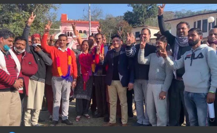 सुजानपुर में जीती हुई बाजी हारी भाजपा, क्रॉस वोटिंग से कांग्रेस की बीना धीमान बनीं अध्यक्ष