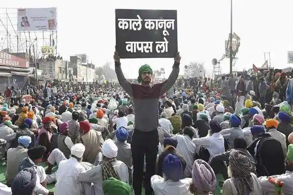 किसानों ने गणतंत्र दिवस पर दिल्ली में दी ट्रैक्टर रैली आयोजित करने की धमकी