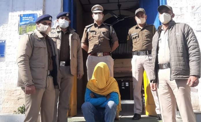 बल्ह में पुलिस ने स्कॉर्पियो से 14 किलो चरस की खेप सहित दबोचा तस्कर