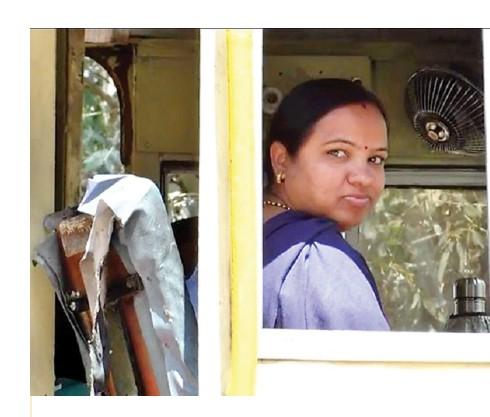 कालका शिमला के ऐतिहासिक रेलवे ट्रेक पर ट्रेन चलाती महिला ड्राइवर