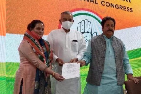पच्छाद भाजपा से बागी होकर उपचुनाव लड़ने वाली दयाल प्यारी कांग्रेस में शामिल, दिल्ली हाइकमान से ली सदस्यता