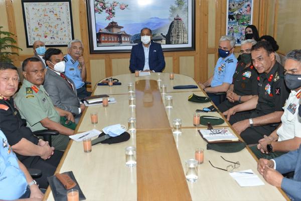 प्रदेश के दौरे पर आए नेशनल डिफेंस काॅलेज के प्रतिनिधिमंडल ने मुख्यमंत्री से भेंट की