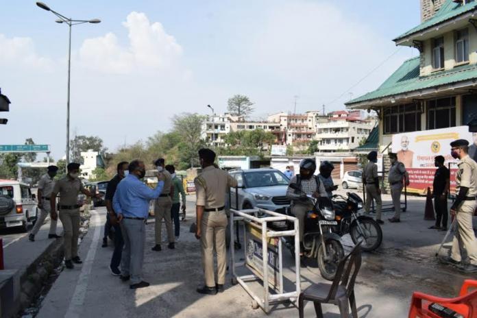 हिमाचल-हरियाणा की अंतरराज्यीय सीमा पर उपायुक सोलन ने किया निरीक्षण