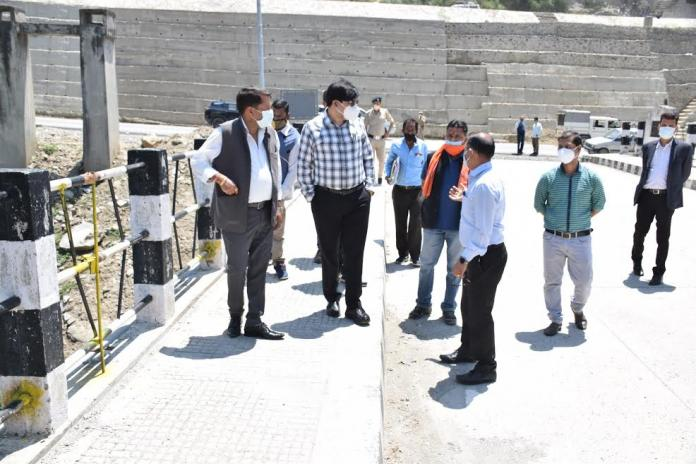शिक्षा मंत्री ने विभागीय अधिकारियों संग भूतनाथ पुल मुरम्मत निार्मण कार्य का लिया जायजा
