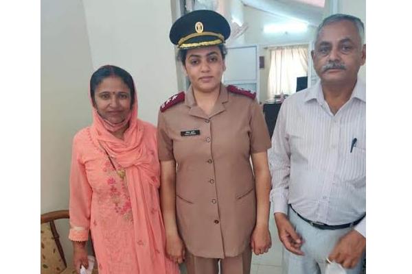 हिमाचल प्रदेश के बिलासपुर के झंडुता की बेटी अंकिता ठाकुर बनी सेना में लेफ्टिनेंट अंकिता बेटियों के लिए बनी प्रेरणा का उदाहरण