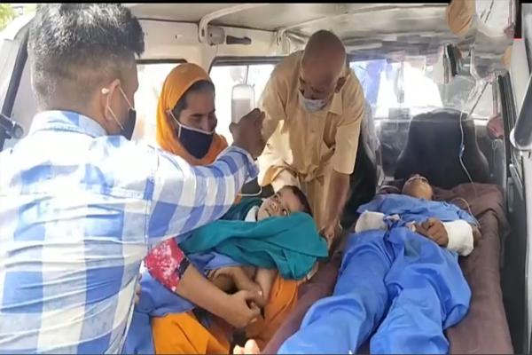 ऊना जिला में एक महिला और उसके दो साल के बच्चे पर दराट से जानलेवा हमला,,,,