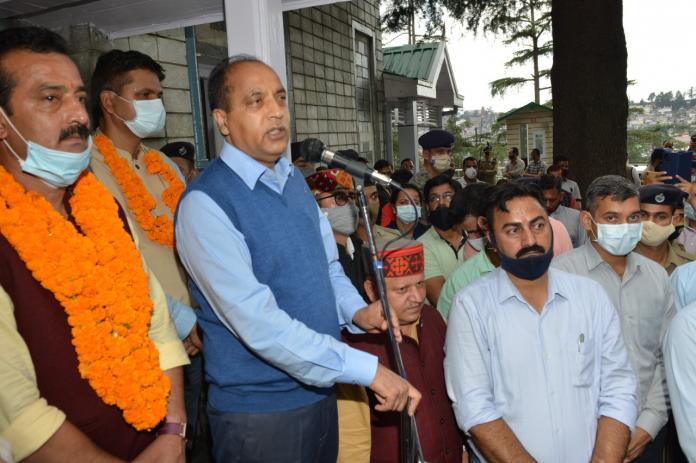 राज्य सरकार कर्मचारियों के हितों की रक्षा करेगीः मुख्यमंत्री